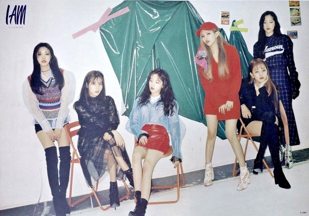 ((G)I-DLE) - I Am OFFICIAL POSTER with Tube Case