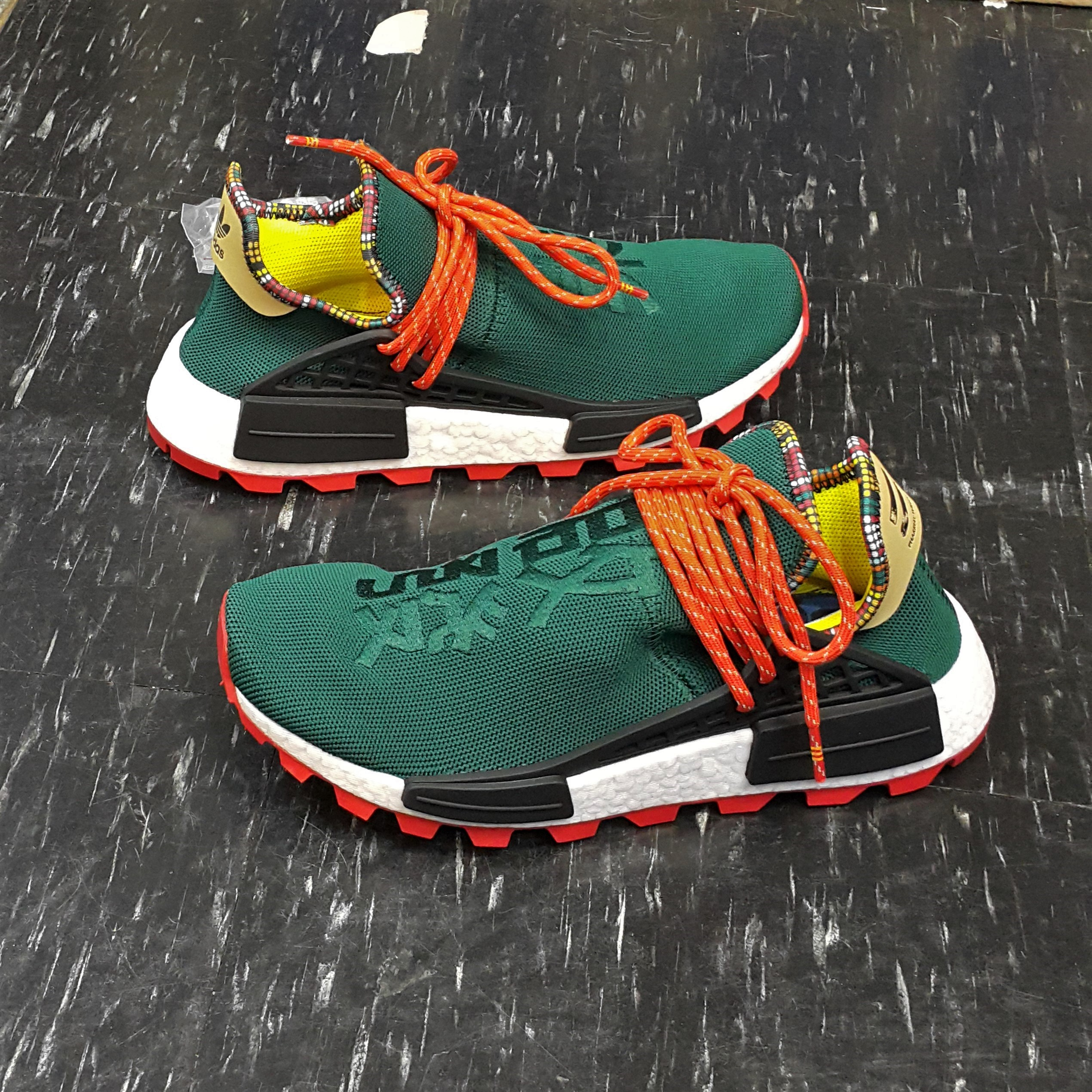 Adidas 愛迪達 PW Hu NMD SOLARHU Pharrell Williams 菲董 綠色 啟發 EE7584