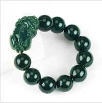 Is natural and farmland jade the green jade recruit a wealth to counteract evil force to protect peaceful male style Pi Xiu bracelet - intl