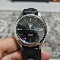 Seiko 5 SNKL23 watch