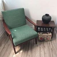 Vintage Kerusi Pak Awang