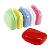 กล่องรีเทนเนอร์ ตลับใส่พิมพ์ฟัน ฟันปลอม รีเทนเนอร์ ขนาดเล็ก พกพาสะดวก  (คละสี/เลือกได้)