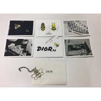 DIOR KAWS 日本限定 KAWS BEE 吊飾 明信片