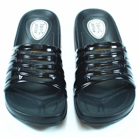 ☆麻吉鞋坊☆ 台灣製造360度c輕量防水止滑拖鞋(黑)(S-XL)【1203】