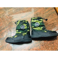 Vans男童雪靴(適合腳長17-19.5公分)