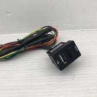 Toyota 盲塞孔/no-off開關+usb充電孔。