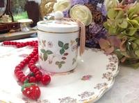 英國骨瓷皇家wedgwood Wild Strawberry野草莓糖果罐茶葉罐全新