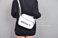 พร้อมส่ง : กระเป๋า Adidas mini vintage airliner bag สีดำ/สีขาว