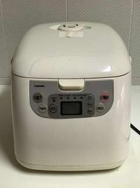 🚚 Toshiba Rice Cooker with extra thick inner metal pot