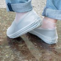 樂嫚妮 輪胎紋防滑耐磨加厚防水矽膠鞋套-透明 (附贈防水收納袋)
