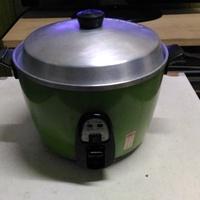 好用的大同電鍋10人份,綠色(有保溫開關型式)!