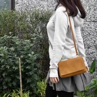 legato largo搭扣式皮革斜背側背包【現貨+預購】