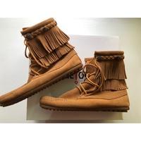 Minnetonka莫卡辛雙層流蘇中筒靴