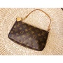 LOUIS VUITTON LV M40712 Monogram 經典花紋手提包