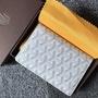 (COCO小賣鋪)Goyard戈雅 長夾 短夾 护照夹 可以放下护照以及多张银行卡 配礼盒包装  size9.5
