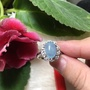 A+天然海藍寶戒指~《 小花戒台》,海藍寶尺寸:長長11寬7厚6mm~來自~精鍍S925銀戒、活動國際戒圍9-23號!