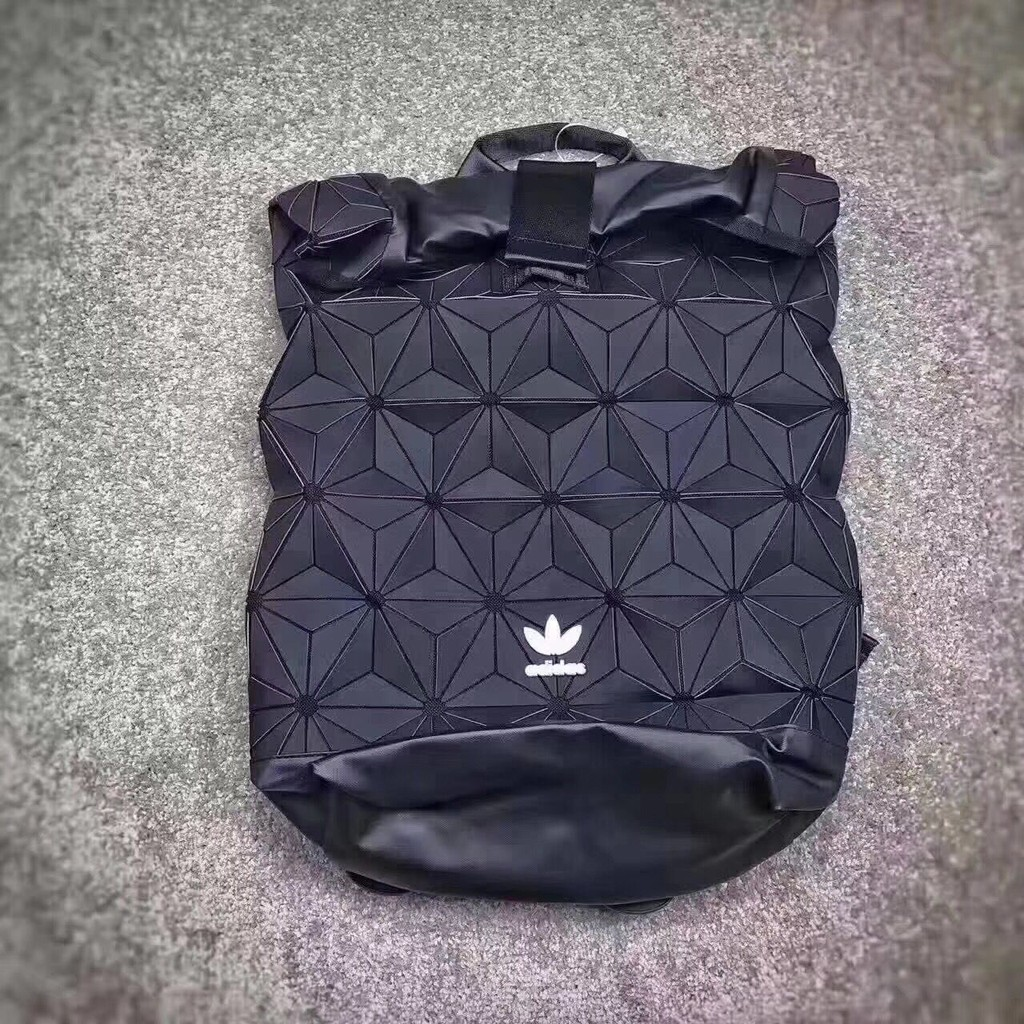 e52f2dff723b Adidas Original Urban Backpack 黑菱格紋三宅一生AY9354 BJ9562 AY9352