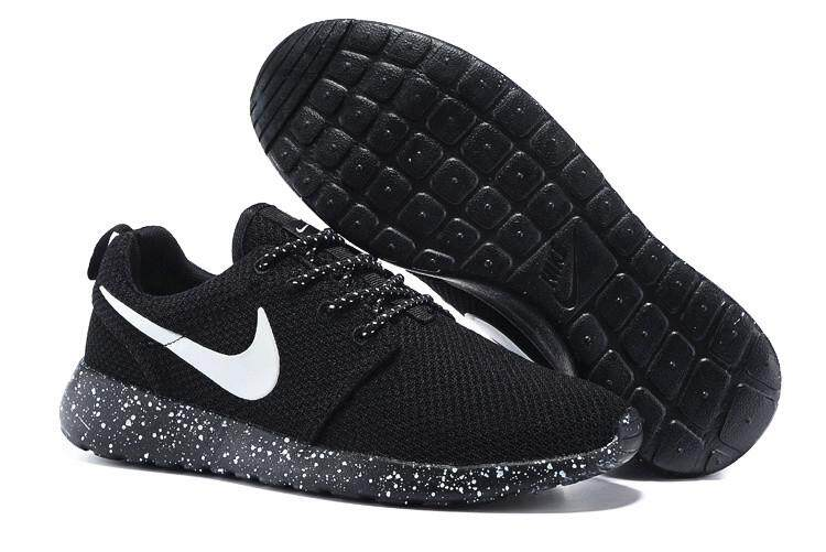3a015226868 Nike Official ROSHE RUN Black Sneakers MENS WOMENS Running Shoes
