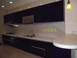 尚格廚具(檯面:三星人造石  長度:460+60cm電器櫃  門片:水晶  瓦斯爐:喜特麗  吧檯 矮櫃 冰箱上櫃 )