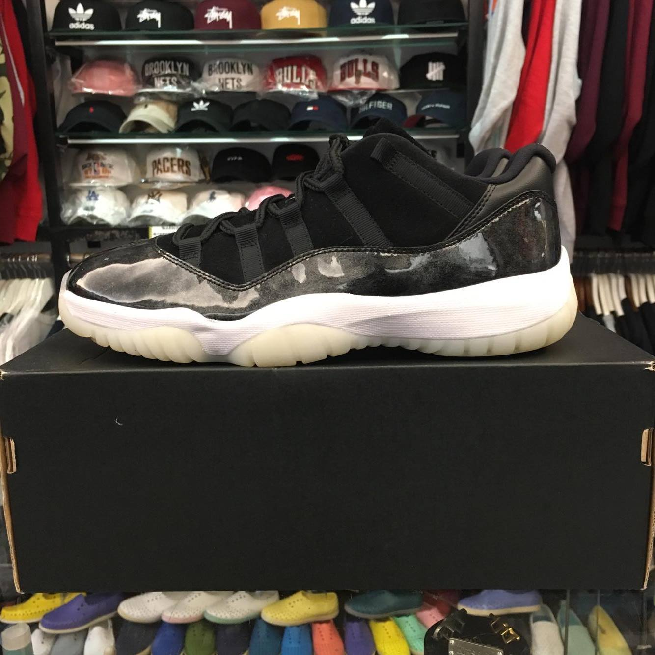 35577613b21 現貨BEETLE AIR JORDAN 11 LOW BARONS 低筒巴龍麂皮528895-010