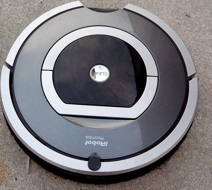 二手iRobot Roomba 780  掃地機器人(只剩下主機無法測試當測試報帳機)
