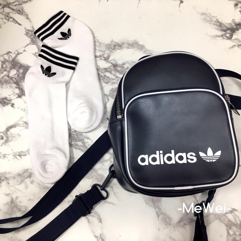 めいこ❤代購adidas original mini backpack 三葉草深藍皮革小後背包 b2810cc487c30